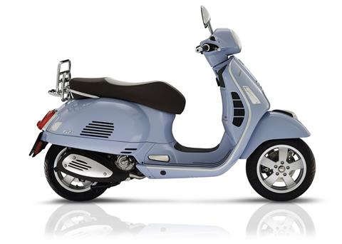 2018 Vespa GTS 300 ABS ASR in Francis Creek, Wisconsin