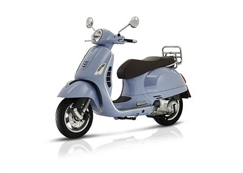 2018 Vespa GTS 300 ABS ASR in Middleton, Wisconsin - Photo 4