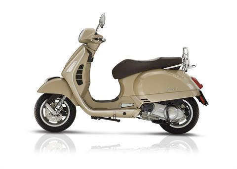 2018 Vespa GTS 300 ABS ASR in Bellevue, Washington