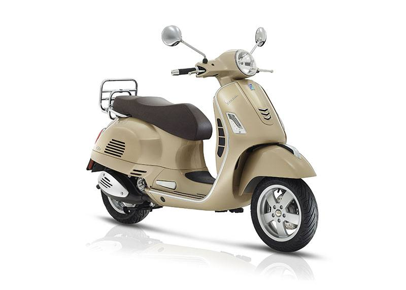 2018 Vespa GTS 300 ABS ASR in Marina Del Rey, California