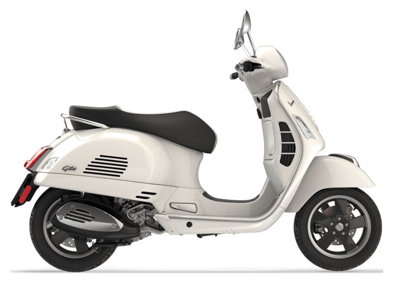 2019 Vespa GTS 300 SUPER in Bellevue, Washington - Photo 1