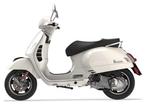 2019 Vespa GTS 300 SUPER in Bellevue, Washington - Photo 2