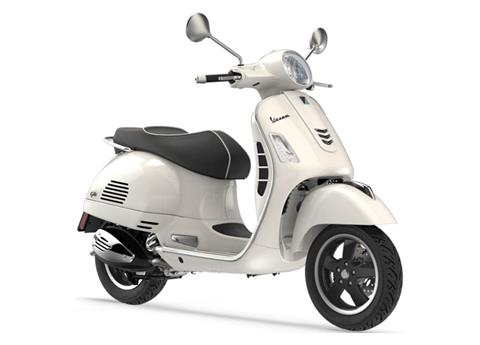 2019 Vespa GTS 300 SUPER in Bellevue, Washington - Photo 3