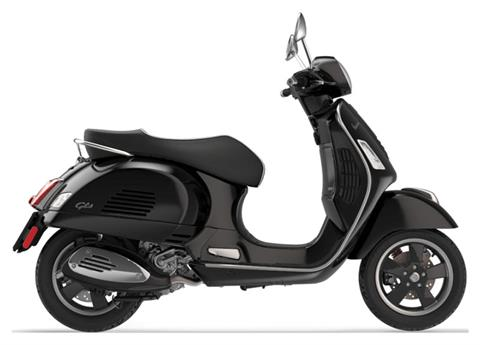 2019 Vespa GTS 300 SUPER in Middleton, Wisconsin - Photo 1