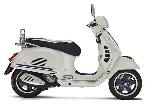 2019 Vespa GTS 300 Yacht Club in Marina Del Rey, California
