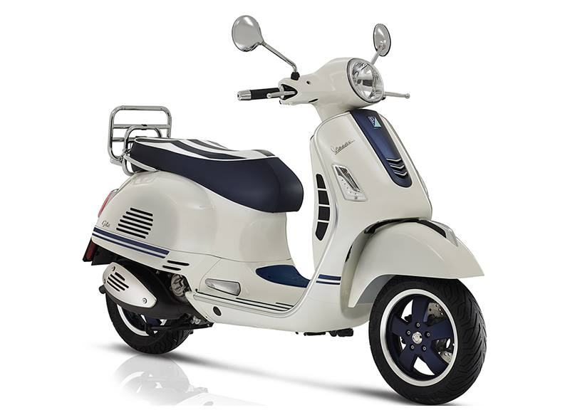 2019 Vespa GTS 300 Yacht Club in Woodstock, Illinois - Photo 3