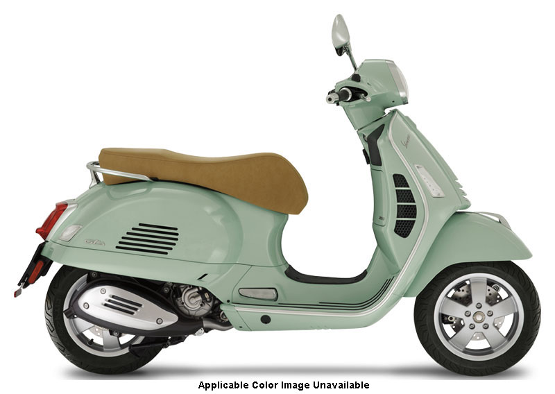 2021 Vespa GTS 300 HPE in Downers Grove, Illinois