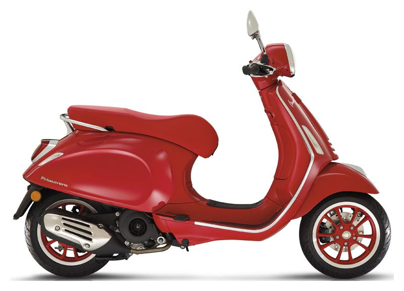 2021 Vespa Primavera 150 iGet Red in Woodstock, Illinois