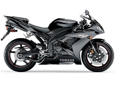 2005 Yamaha YZF-R1 in New Bedford, Massachusetts