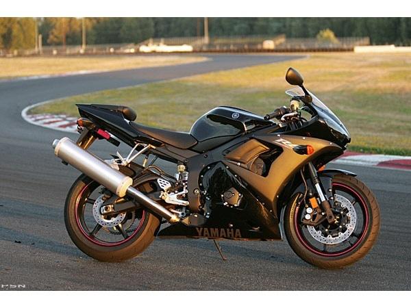 2005 Yamaha YZF-R6 10