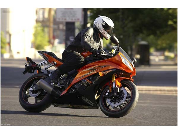 2009 Yamaha YZF-R6 in Salinas, California - Photo 13