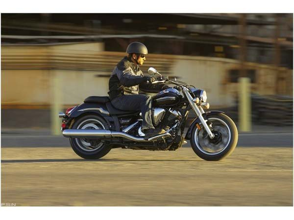 2010 Yamaha V Star 950 in Cary, North Carolina - Photo 3