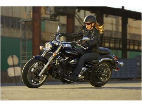2010 Yamaha V Star 950 in Cary, North Carolina - Photo 2