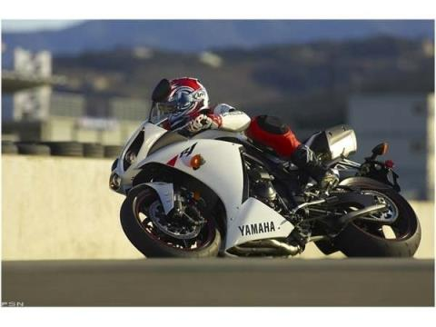 2010 Yamaha YZF-R1 in Ontario, California