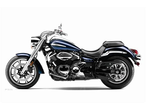 2011 Yamaha V Star 950  in Louisville, Tennessee