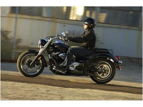 2011 Yamaha V Star 950 in Union Grove, Wisconsin - Photo 21