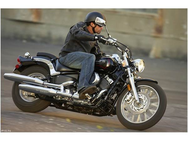 2011 Yamaha V Star Custom in Baldwin, Michigan
