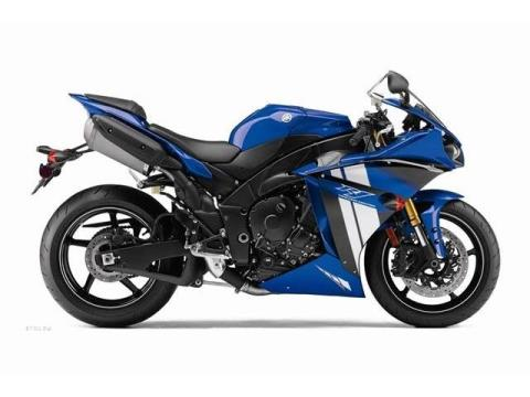 2012 Yamaha YZF-R1 in Pinellas Park, Florida - Photo 16