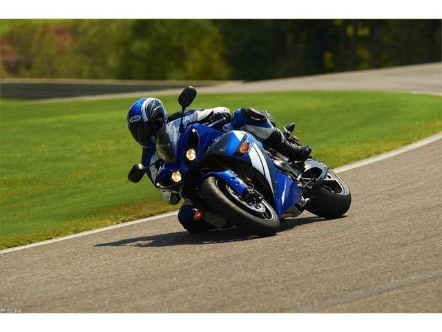 2012 Yamaha YZF-R1 in Pinellas Park, Florida - Photo 21