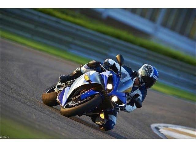 2012 Yamaha YZF-R1 in Pinellas Park, Florida - Photo 23