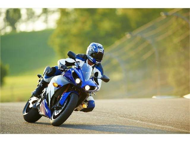 2012 Yamaha YZF-R1 in Pinellas Park, Florida - Photo 26