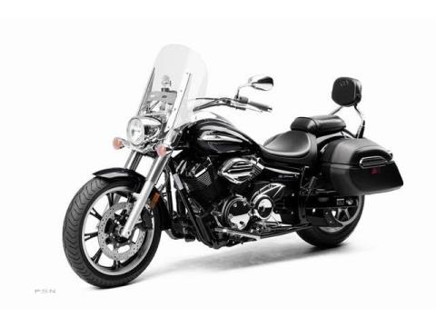 2012 Yamaha V Star 950 Tourer in Asheville, North Carolina