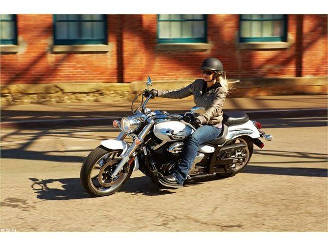 2013 Yamaha V Star 950  in Union Grove, Wisconsin