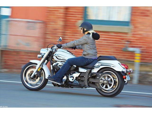 2013 Yamaha V Star 950  in Laurel, Maryland