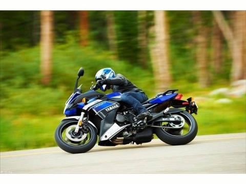 2013 Yamaha FZ6R in Middletown, New Jersey - Photo 12