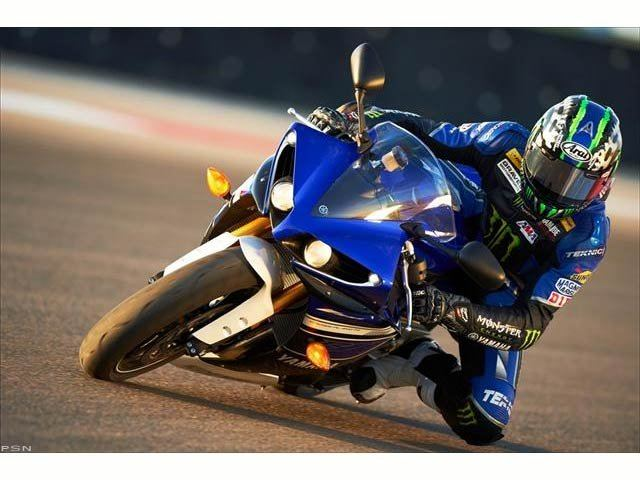 2013 Yamaha YZF-R1 in Hickory, North Carolina