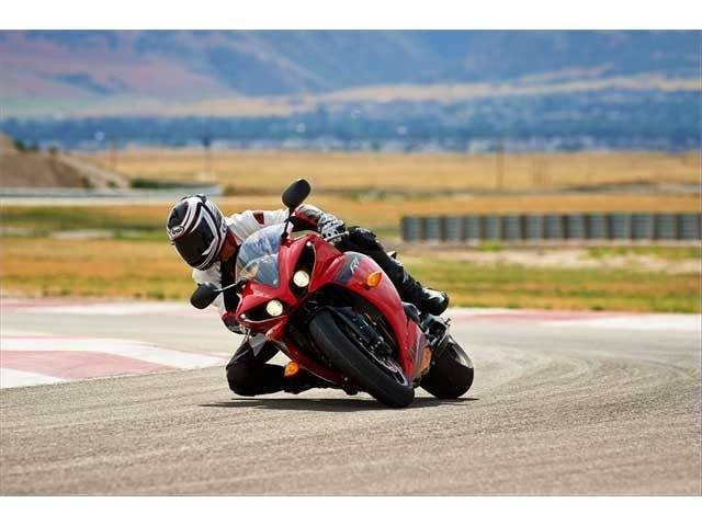 2014 Yamaha YZF-R1 in Wichita Falls, Texas - Photo 18