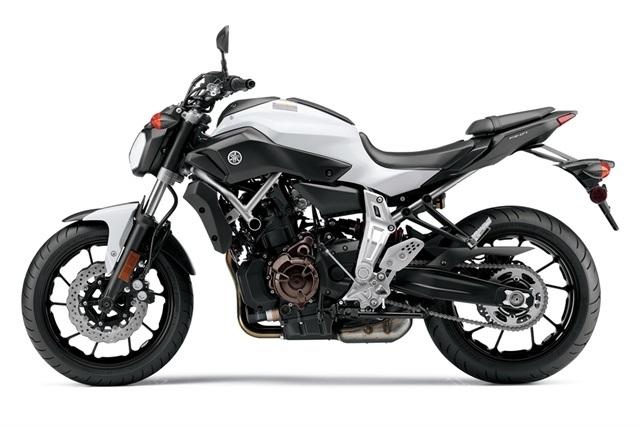 2015 Yamaha FZ-07 4