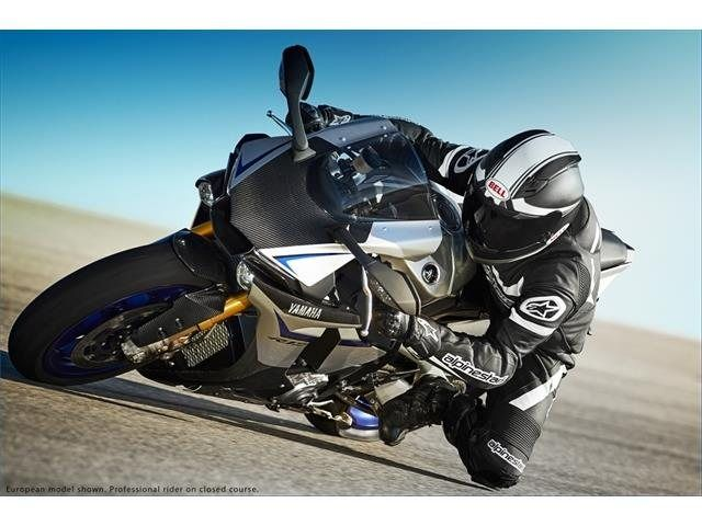 2015 Yamaha YZF-R1M in Simi Valley, California - Photo 12