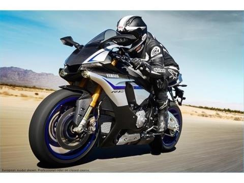 2015 Yamaha YZF-R1M in Simi Valley, California - Photo 14