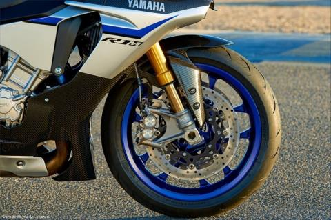 2015 Yamaha YZF-R1M in Simi Valley, California - Photo 23