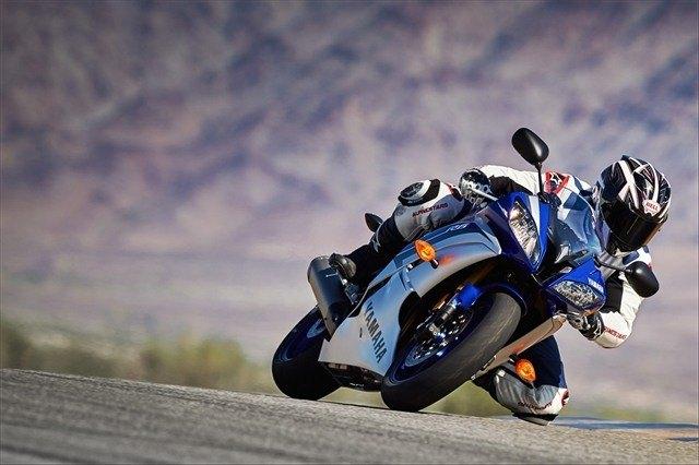 2015 Yamaha YZF-R6 12