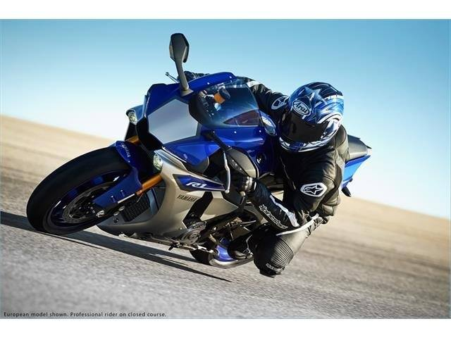 2015 Yamaha YZF-R1 8
