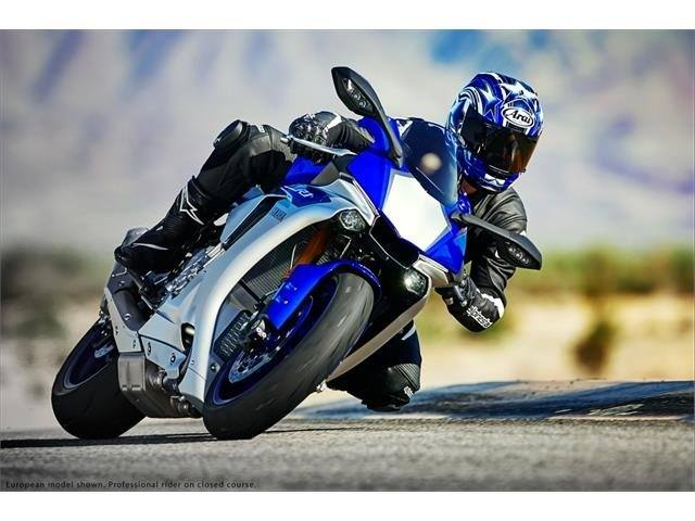 2015 Yamaha YZF-R1 6