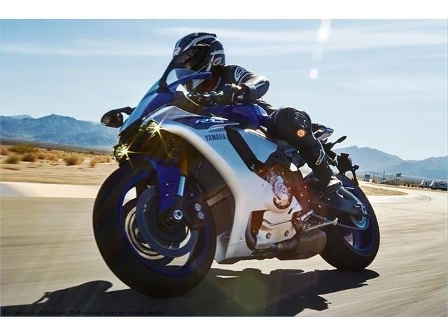 2015 Yamaha YZF-R1 9