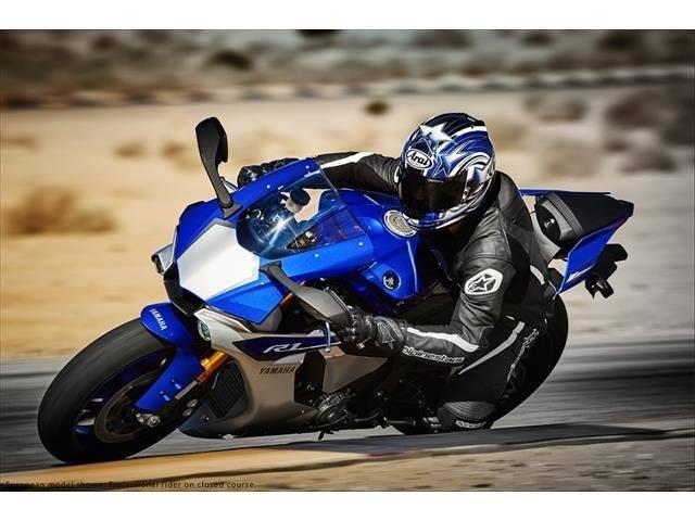 2015 Yamaha YZF-R1 11