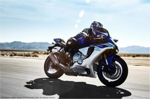 2015 Yamaha YZF-R1 in Lowell, North Carolina