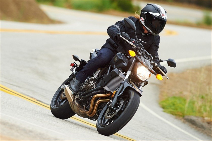 2016 Yamaha FZ-07 in Bakersfield, California - Photo 11