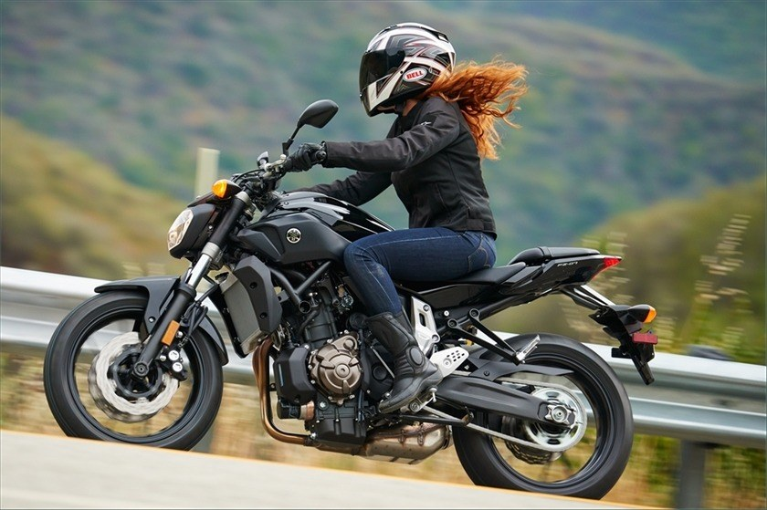 2016 Yamaha FZ-07 in Bakersfield, California - Photo 12