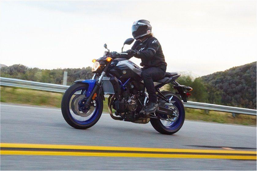 2016 Yamaha FZ-07 in Bakersfield, California - Photo 16