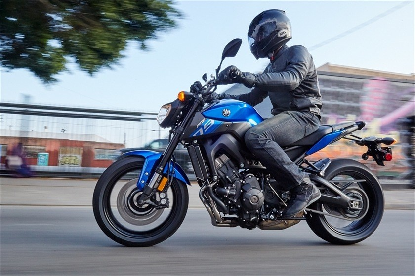 2016 Yamaha FZ-09 in Manheim, Pennsylvania - Photo 23
