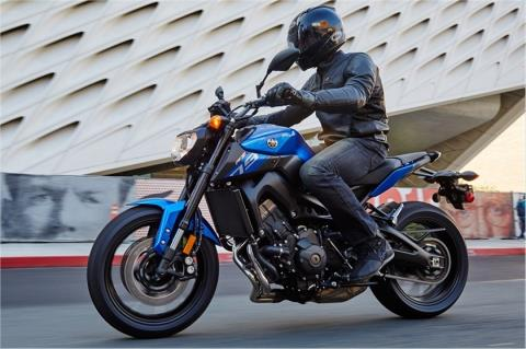 2016 Yamaha FZ-09 in Merced, California - Photo 11
