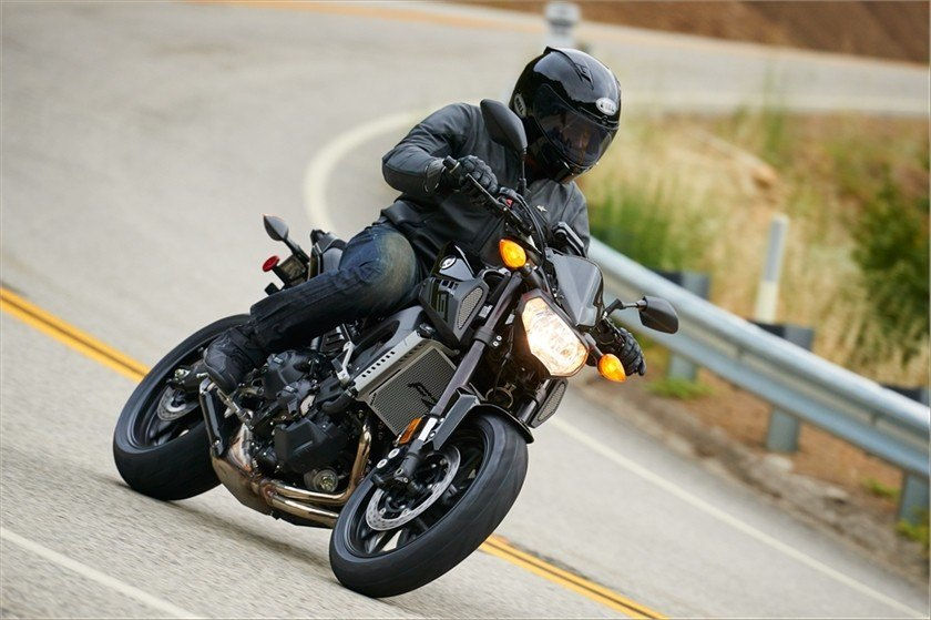 2016 Yamaha FZ-09 in Merced, California - Photo 17