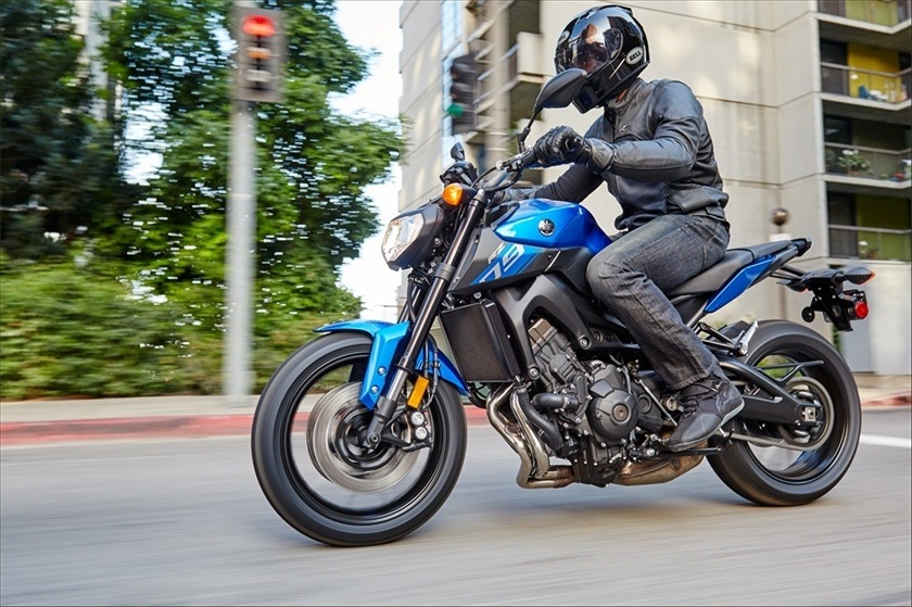 2016 Yamaha FZ-09 in Brighton, Michigan