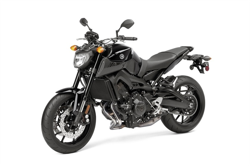 2016 Yamaha FZ-09 in Phillipston, Massachusetts