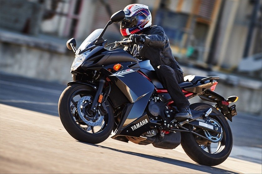 2016 Yamaha FZ6R in Chesterfield, Missouri